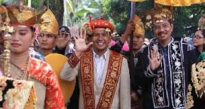 Gatot Pujo Nugroho (Gubsu) menghadiri helat perantau Minang (sumber : dnaberita.com)