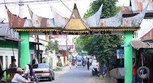 """""""Kampung Minang"""" di Jalan Arief Rachman Hakim, Medan"""