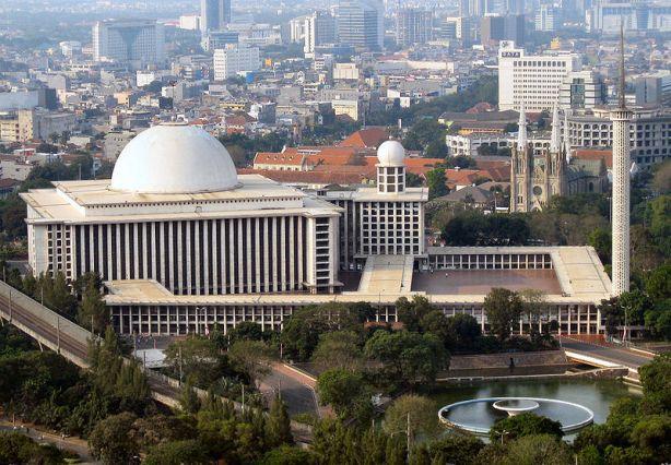 Mesjid Istiqlal dan Gereja Kathedral