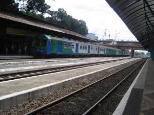 Kereta Komuter Arek Surokerto jurusan Surabaya-Mojokerto