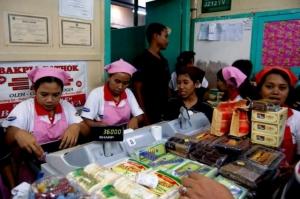 Penjualan Bakpia di Yogyakarta (sumber : nationalgeographic.co.id)