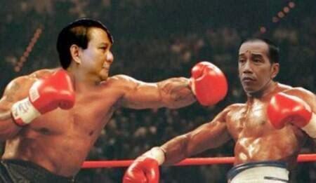 Prabowo memukul Jokowi
