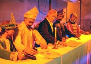 Sebuah diorama ketika Sultan Johor menandatangani penjualan Singapura ke pemerintah Inggris