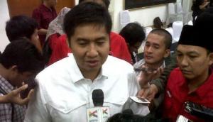 Raut wajah Ara, setelah batal jadi menteri (sumber : vivanews.com)