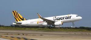 Tiger Air lepas landas (sumber : asia.nikkei.com)
